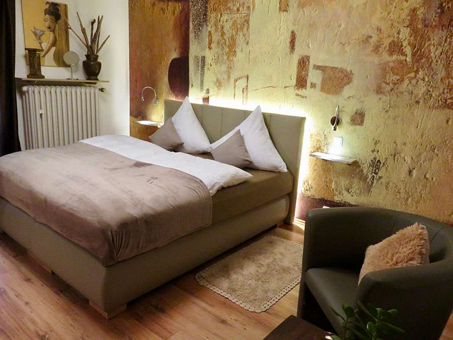 schlafzimmer 2, fewo moments, Boxspringbed